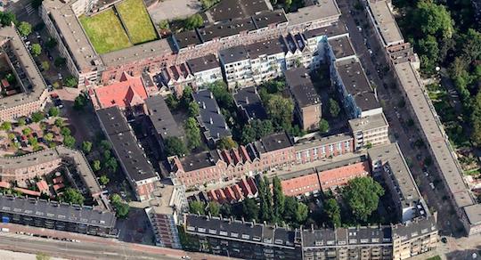 Luchtfoto van binnenterrein Osseweistraat-Schonebergerweg